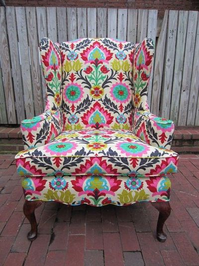 im......... OBSESSED with this chair.