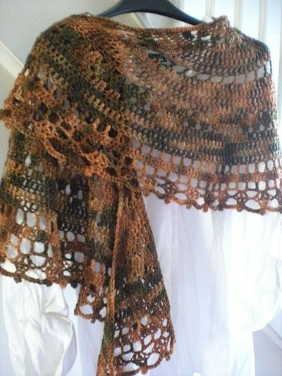 shawl free pattern (in round) / crochet ideas and tips ...
