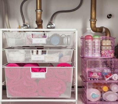 Bathroom cabinet organization. / bath ideas - Juxtapost