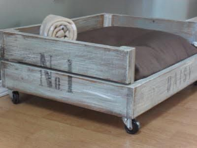 Upcycle Pallet Wood Box Dog Bed Picture Only
