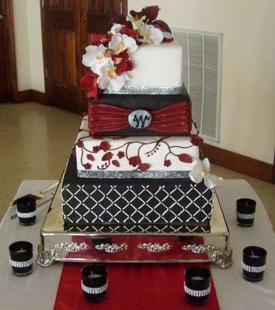 Cake With Burgundy Silver Wedding Cakes Juxtapost