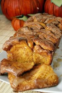 thanksgiving morning: pull-apart cinnamon sugar pumpkin bread. looks to die for!
