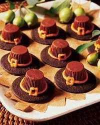 Pilgrim Hat cookies - gotta make these for preschool class!