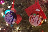 use your little one's hands to make this cute snowman ornament!! darling