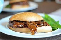 Shredded BBQ Beef - Slow cooker.