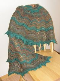 Alberni Valley Shawl. Knitted free pattern.