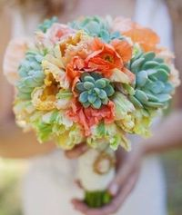Love the succulents!