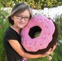 How to Crochet Donuts [Free Pattern] | 196x200