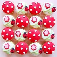 cute lady bug cupcakes