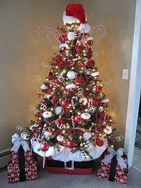 considering my christmas tree is already red white and silver adding a few things - Red And Silver Christmas Tree