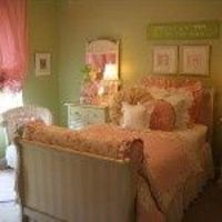 girl room--pink and green