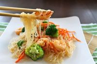 glass noodles with shrimp, carrots, and broccoli