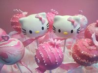 Kitty! #HelloKitty #CreativeCakepops #cakepops #cake #birthday