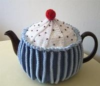 Cup cake cozy. Links to pattern.