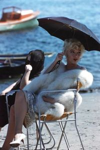"Previously unseen photo of Marilyn Monroe on the set of the 1959 comedy ""Some Like It Hot,"""