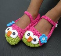 Owl slippers...link doesn't have pattern but i think i can figure this out