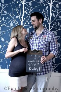 A cute idea for maternity pictures