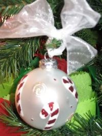 3 Handmade Holiday Ornaments from Condo Blues