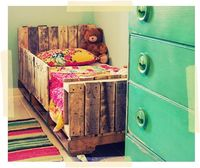 Adorable pallet bed
