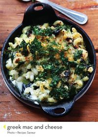 Macaroni and cheese with spinach.
