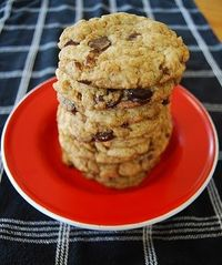 the ultimate vegan chocolate chip cookie