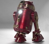 Red & Gold R2D2: The Tony Stark made model?