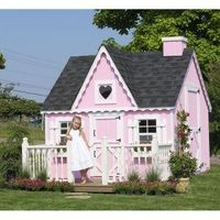 Little girl play house