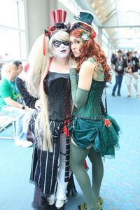 Harley Quinn and Poison Ivy - SDCC 2012 - Bill Watters
